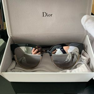 NEW: CHRISTIAN DIOR Sight 1 Sunglasses w/Case